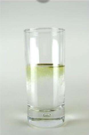 スプーンやマドラーで混ぜなくても、グラスを軽くゆするだけ度